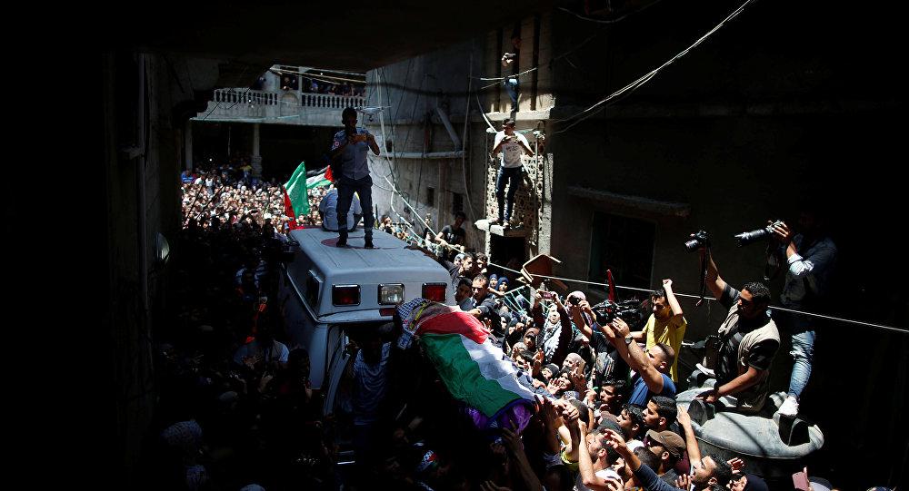 تشييع جثمان المسعفة الفلسطينية رزان النجار