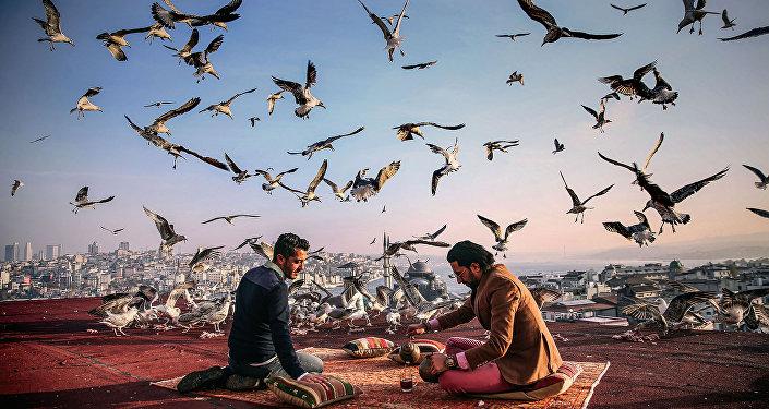 التاريخ على طريق الإفطار، للمصور سيبنيم كوسكون من تركيا