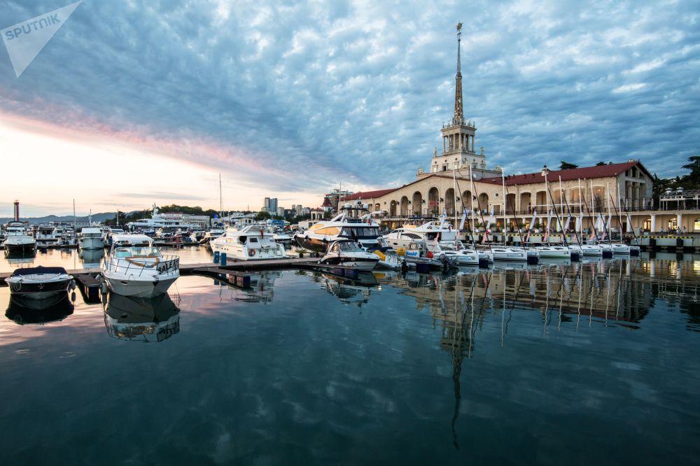 محطة بحرية في سوتشي الروسية