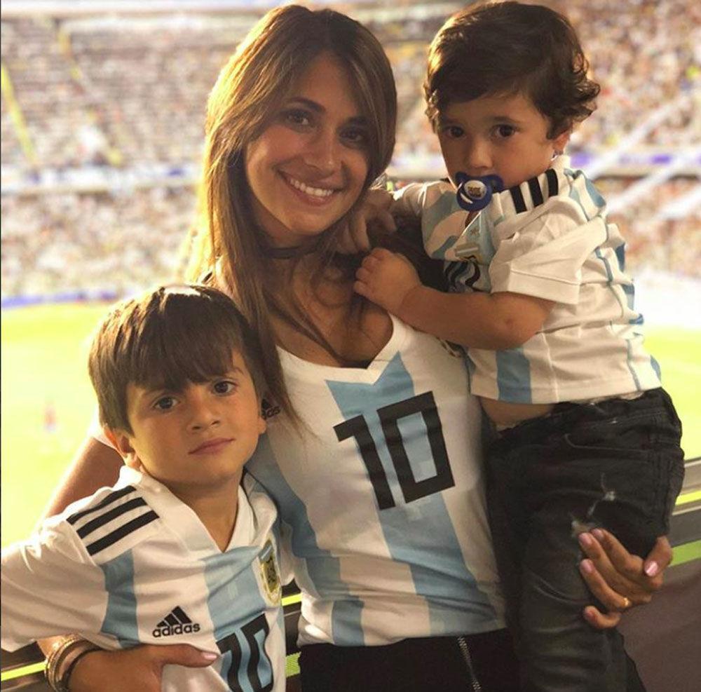 أنتونيللا روكستسيو - زوجة ليونيل ميسي، لاعب المنتخب الأرجنتيني ولاعب في فريق نادي برشلونة