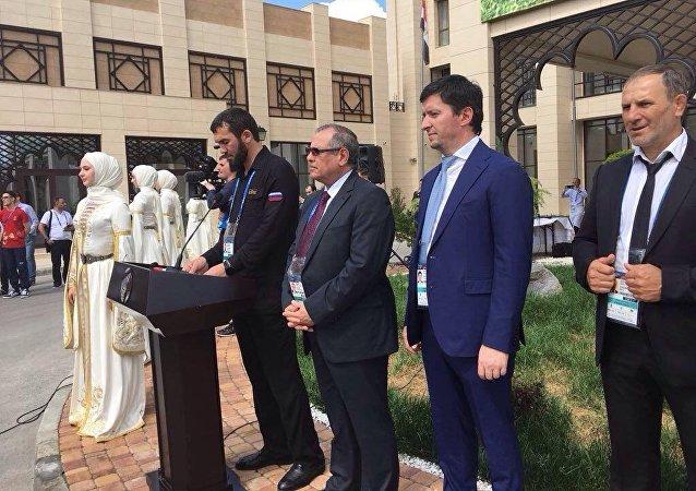 الشيشان تستقبل المنتخب المصري بالرقص الشيشاني الشعبي