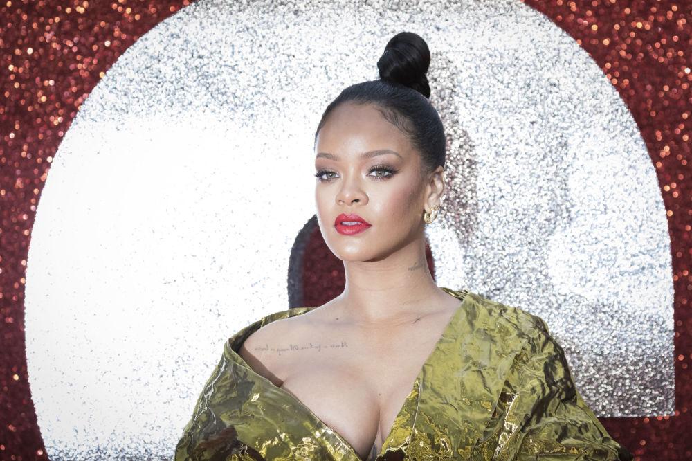 المغنية Rihanna  في حفل العرض الأول لفيلم Ocean's 8 في لندن، إنجلترا 13 يونيو/ حزيران 2018