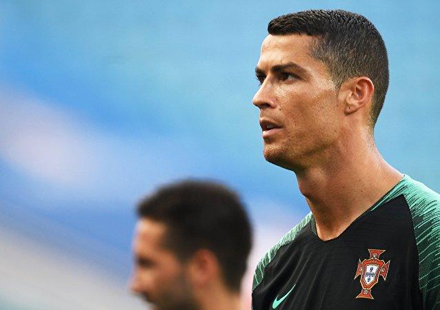 البرتغالي كريستيانو رونالدو خلال الترديبات في روسيا، كأس العالم 2018