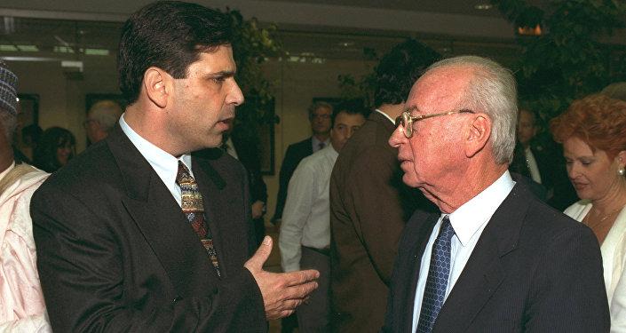 الوزير السابق سيجيف مع اسحق رابين في القدس