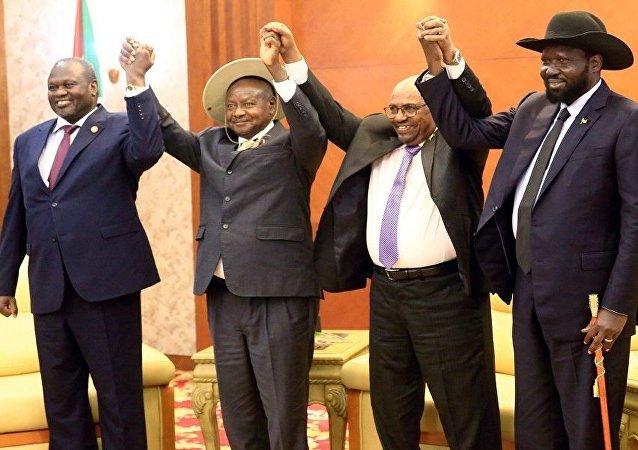 اجتماع البشير مع سلفاكير ومشار بشأن جنوب السودان