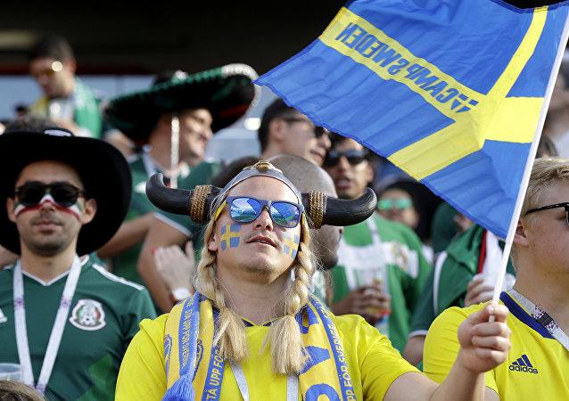 مشجعو السويد قبل بداية مباراة منتخبهم مع السويد في منافسات كأس العالم روسيا 2018