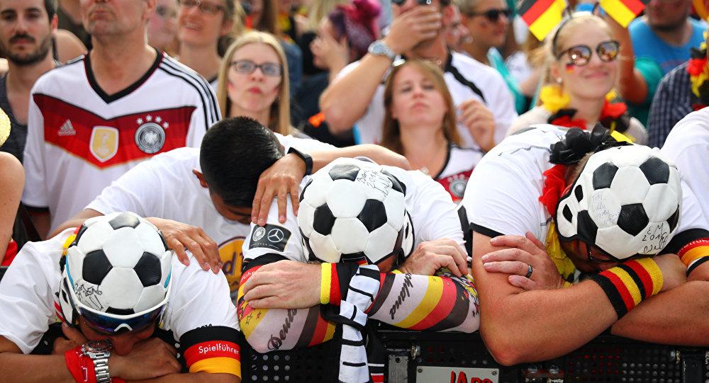 الجماهير الألمانية بعد الخروج من كأس العالم 2018
