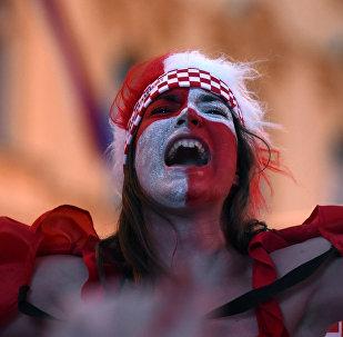مشجعة كرواتية خلال مباراة المنتخب الكرواتي