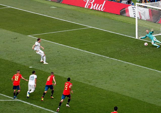 هدف روسيا الأول في مرمى إسبانيا من ضربة جزاء