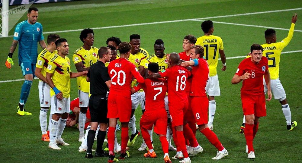 حكم مباراة إنجلترا وكولومبيا