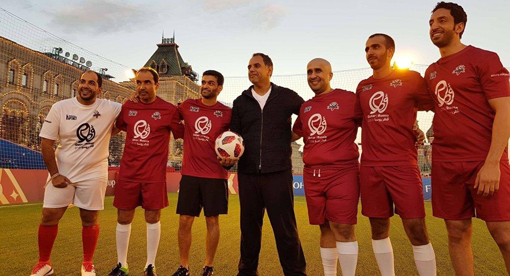 مباراة في الساحة الحمراء بين مسؤولين قطريين وروس