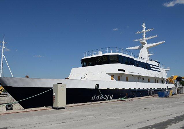 سفينة الأبحاث لادوغا
