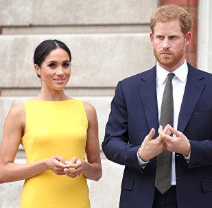نجل ولي عهد بريطانيا الأمير هاري وزوجته دوقة ساسكس ميغان ماركل