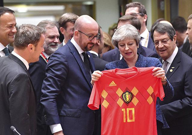 رئيس الوزراء البلجيكي شارل ميشيل وتيريزا ماي