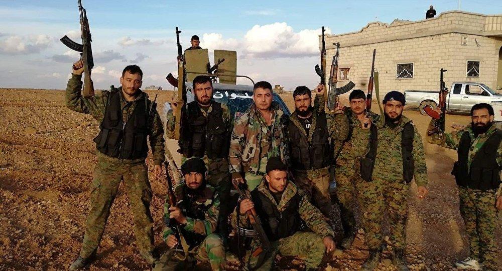 جنود من الجيش السوري يستعدون لمعركة إدلب