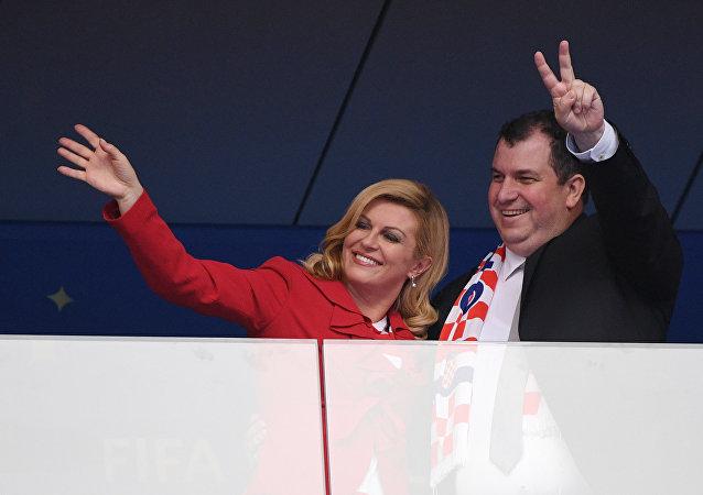 صورة لرئيسة كرواتيا من ملعب المباراة النهائية