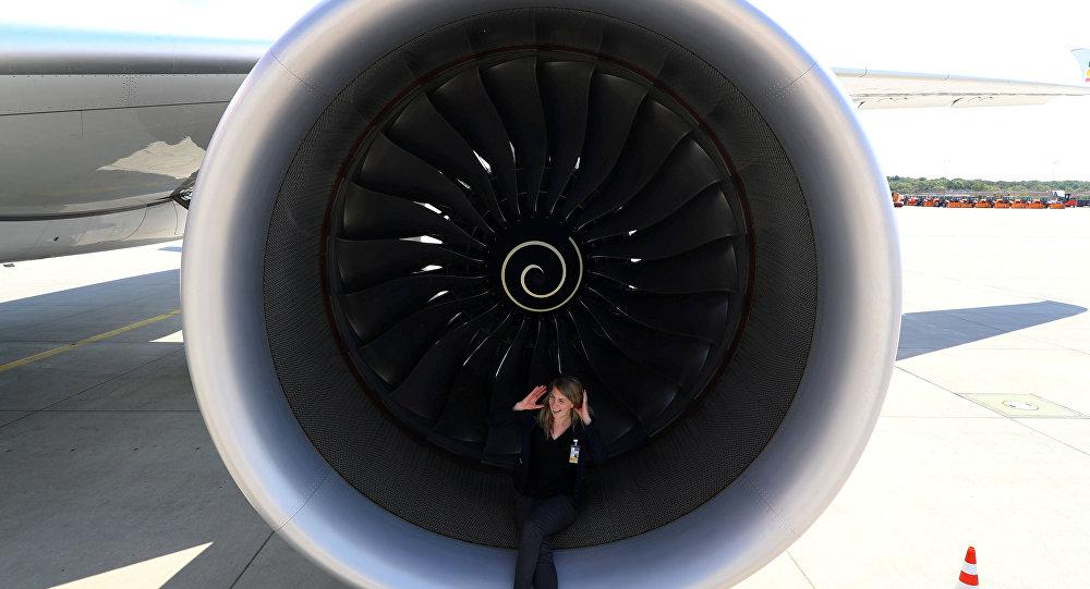 محرك طائرة من صناعة شركة رولز رويس