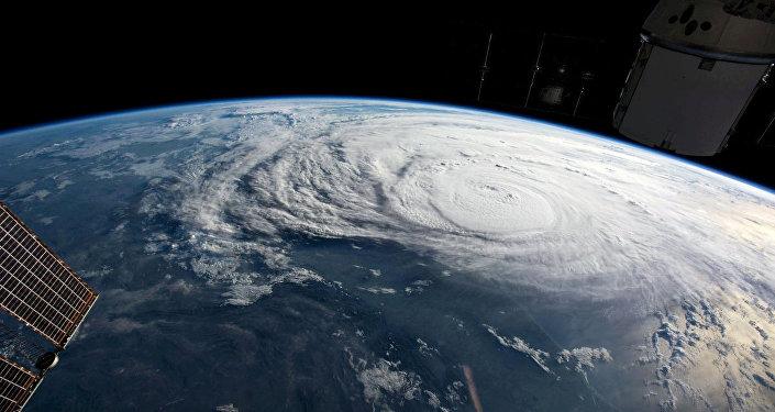 إعصار هارفي قبالة ساحل ولاية تكساس في الولايات المتحدة كما التقطته وكالة الفضاء الأمريكية ناسا