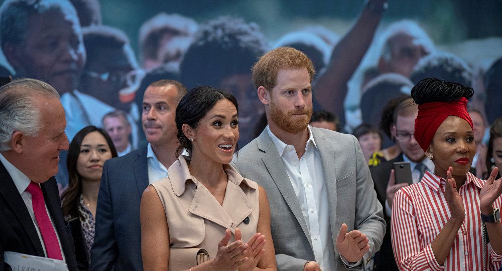 الأمير البريطاني هاري وزوجته ميغان ماركل يزوران معرضا لنلسون مانديلا في العاصمة البريطانية لندن، 17 يوليو/تموز 2018