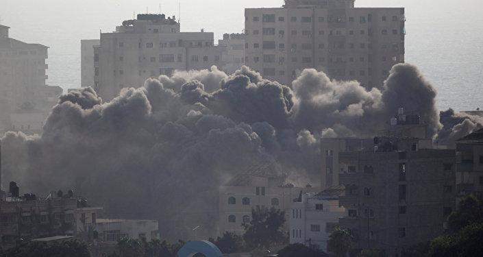 الطيران الإسرائيلي يوجه ضربة على مدينة غزة، قطاع غزة 14 يوليو/ تموز 2018