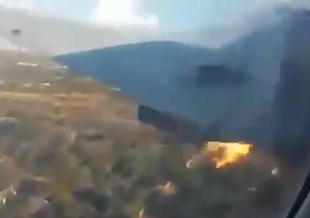 راكب يصور تحطم الطائرة من الداخل وبقي على قيد الحياة