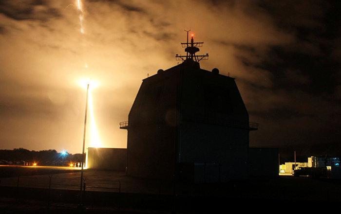 وزير الدفاع الياباني يعلن نيته التخلي عن الدفاع الصاروخي الأمريكي