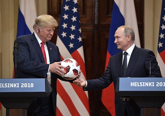 لقاء بوتين وترامب