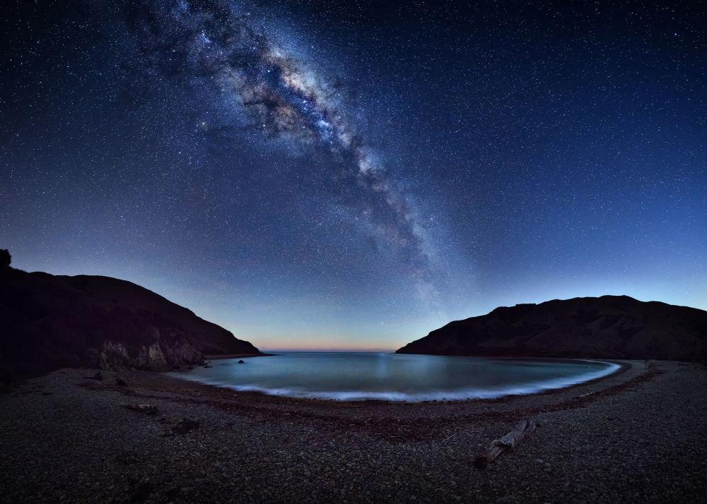 صورة بعنوان Cable Bay، للمصور مارك غي