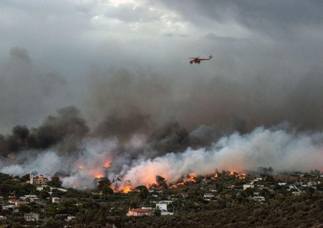 اندلاع الحرائق في شرق أثينا، اليونان 23 يوليو/ تموز 2018