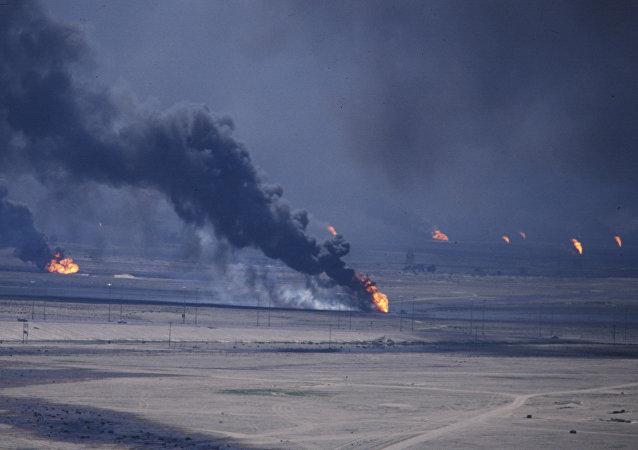 حرق آبار النفط خلال غزو الكويت