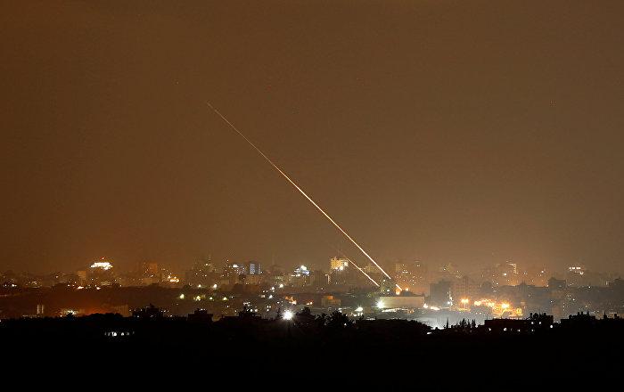صافرات الإنذار تدوي في إسرائيل عقب سقوط صاروخ بمنطقة مفتوحة