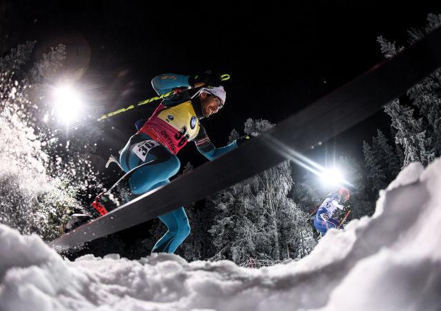 صورة بعنوان بياتلون، للمصورة أليكسي فيليبوف، الحاصلة على الجائزة الكبرى بين المصورين المحترفين، في مسابقة التصوير لشركة Nikon