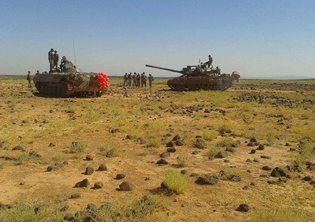 الجيش السوري يحشر داعش في بادية السويداء