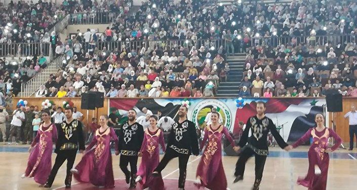 مساعدات أنغوشية لألف عائلة حلبية ورقصات من الفلكلور السوري