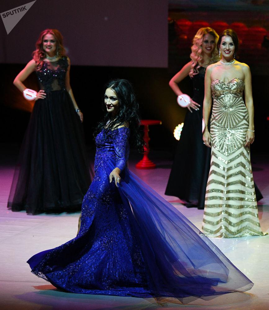المشاركات في مسابقة ملكة جمال روسيا 2018 في قاعة بلانيتا كا في إن في موسكو