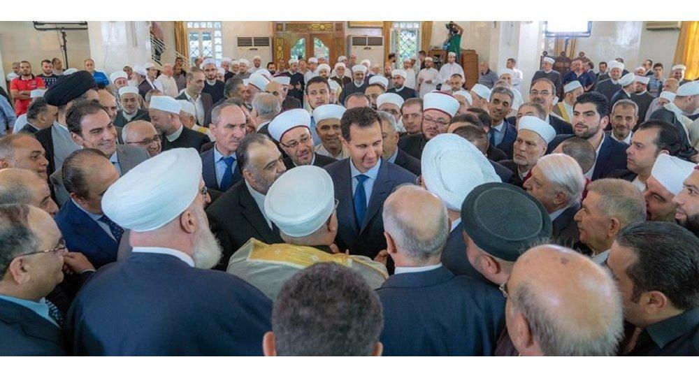الرئيس السوري بعيد تاديته صلاة العيد في دمشق
