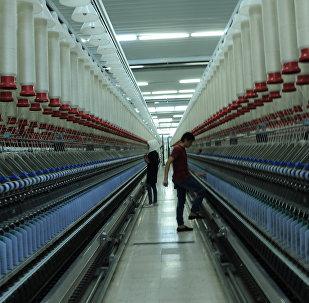 مصنع النسيج في المركز الصناعي شيخ النجار في محافظة حلب يعود للعمل مرة أخرى