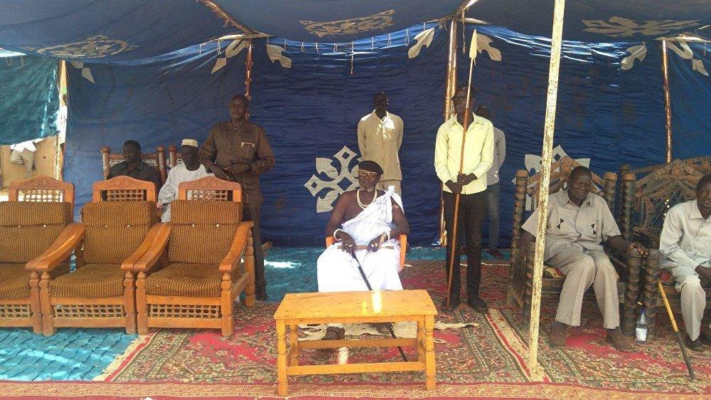 رئيس قبيلة الشلك السودانية