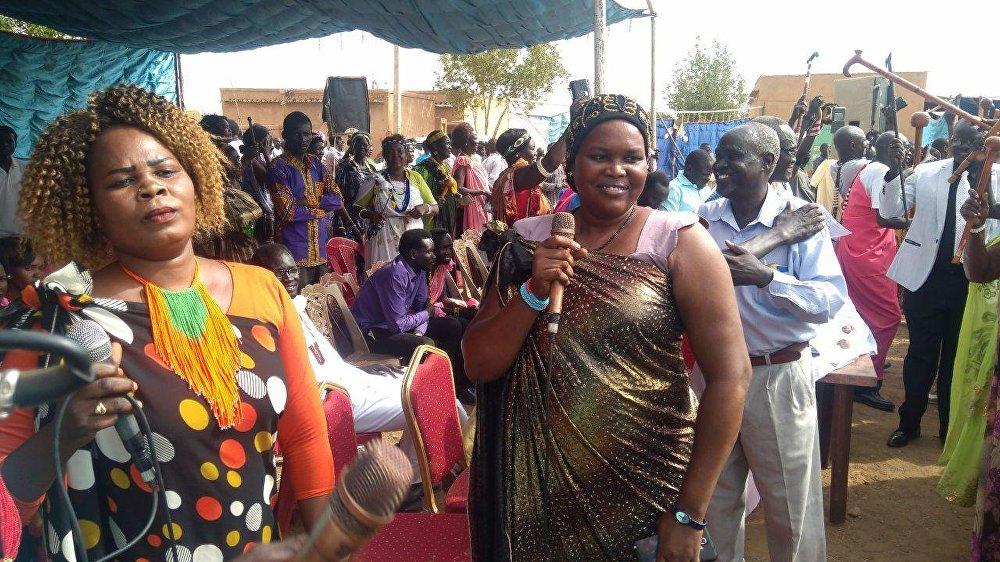 أبناء قبيلة الشلك يحتفلون بنهاية الحرب واتفاق السلام بجنوب السودان