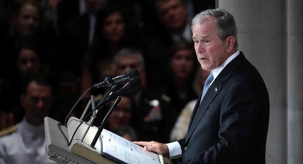 الرئيس الأمريكي الأسبق جورج بوش الابن في جنازة السيناتور جون ماكين، 1 سبتمبر/أيلول 2018
