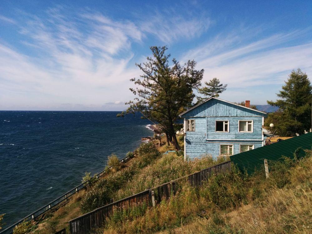 منزل بالقرب من بحيرة بايكال