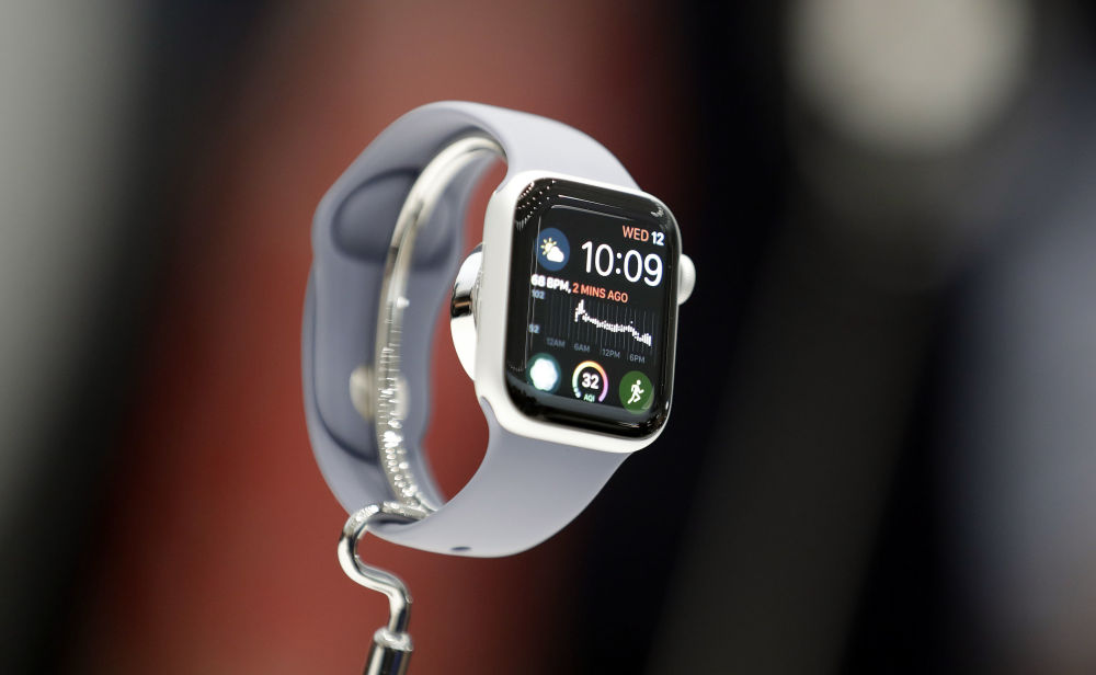 ساعة Apple Watch 4 الجديدة في مسرح ستيف جوبز بمدينة كوبرتينو الأمريكية