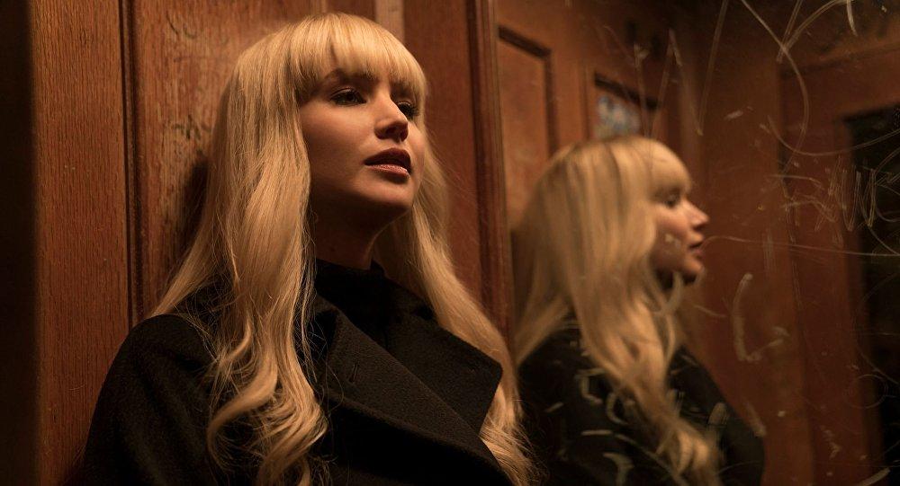 الممثلة الأمريكية جينيفر لورانس في فيلم ريد سبارو