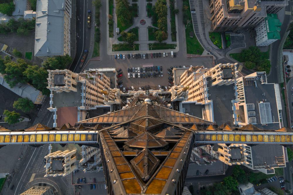 نجمة ناطحة السحاب في ساحة كودرينسكايا بموسكو