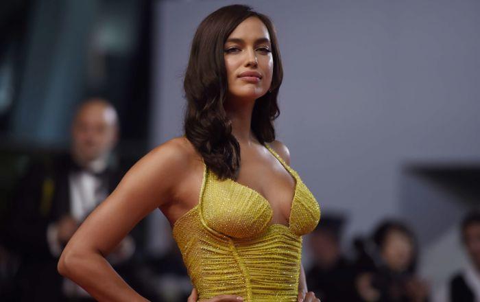 عارضة الأزياء الروسية إيرينا شايك في الحفل الـ 70 لمهرجان كان السينمائي