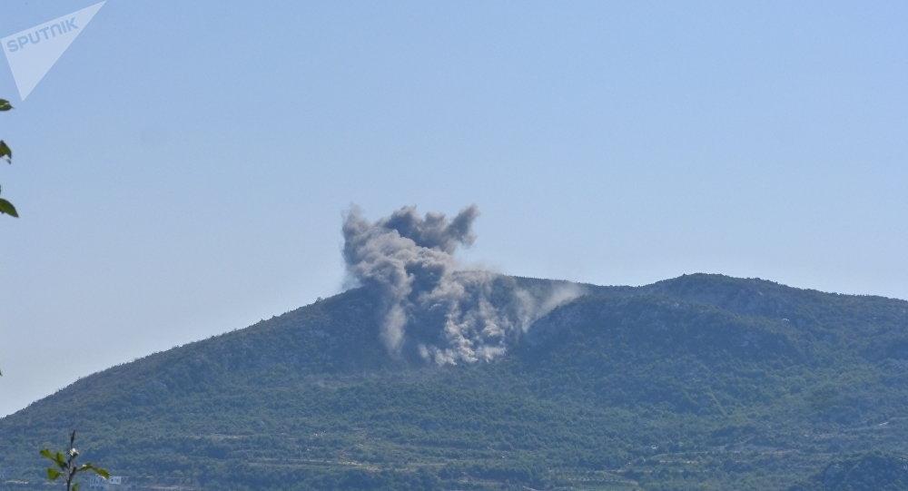 المدفعية الثقيلة في ريف اللاذقية تدكّ مواقع إطلاق الصواريخ والمسيرات