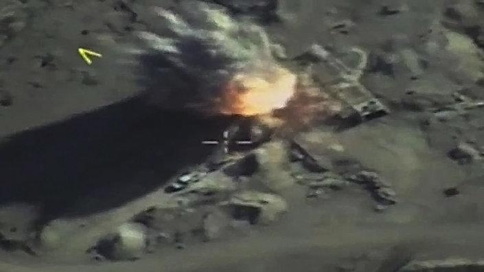 قصف حشود المسلحين في ادلب