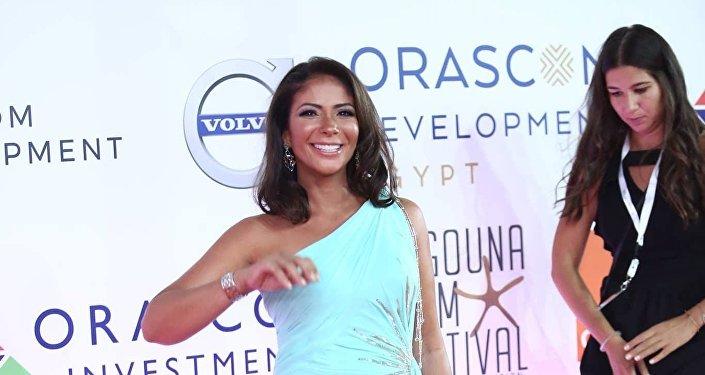 الممثلة المصرية منى زكي في افتتاح مهرجان الجونة السينمائي الثاني، 20 سبتمبر/أيلول 2018