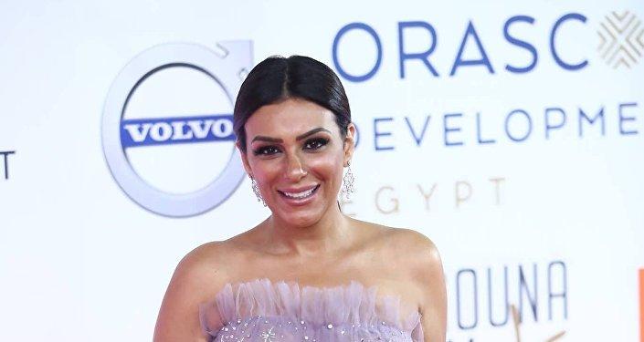 الممثلة المصرية إنجي المقدم في افتتاح مهرجان الجونة السينمائي الثاني، 20 سبتمبر/أيلول 2018