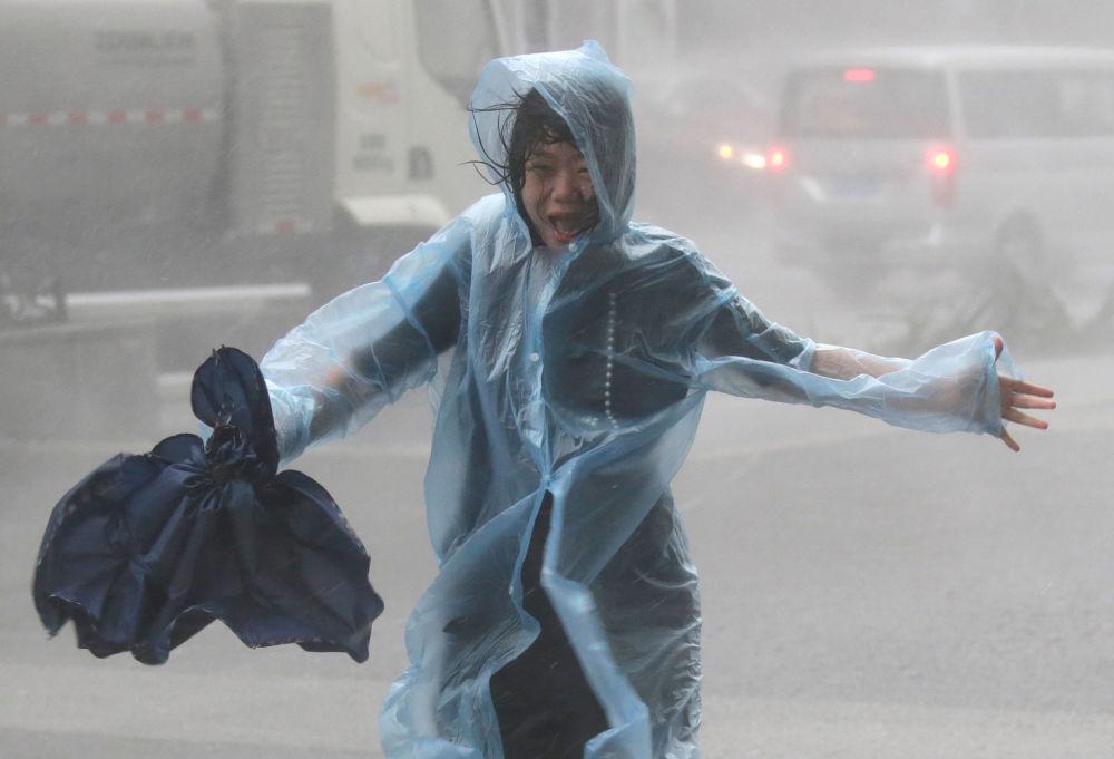 إعصار مانكوت في هونغ كونغ، الصين 16 سبتمبر/ أيلول 2018